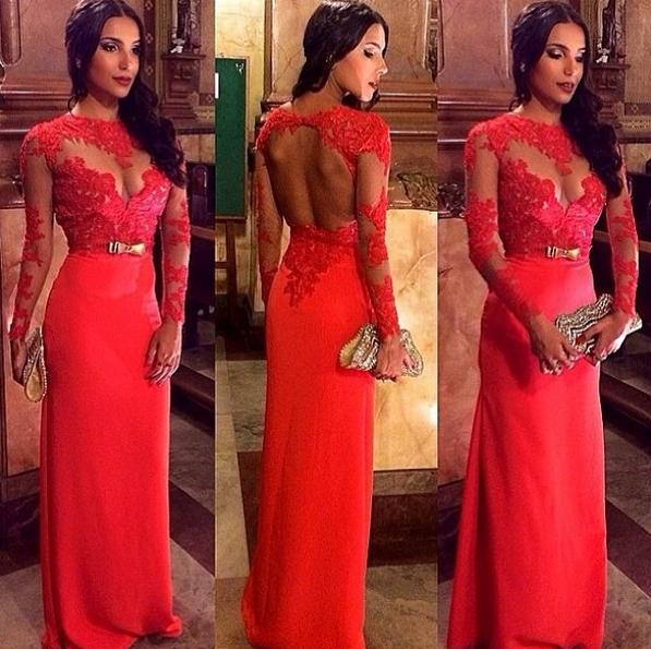 dekolte kırmızı elbise modeli